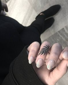 11.7 тис. вподобань, 28 коментарів – @tattooselection в Instagram: «Tattoo Artist @miki_hoodlover»