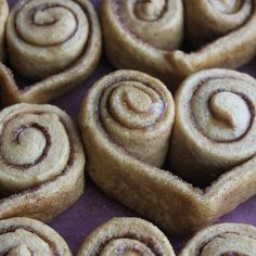 Cinnamon Roll Hearts @keyingredient #easy