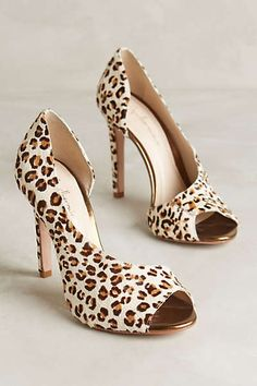 Guilhermina Asymmetric Leopard Pumps