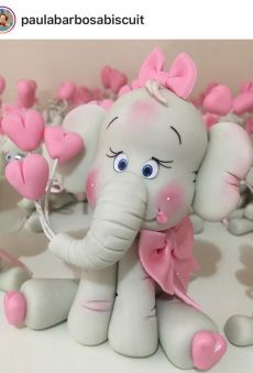 New Cake Fondant Girl Polymer Clay Ideas Polymer Clay Figures, Cute Polymer Clay, Fondant Figures, Polymer Clay Projects, Polymer Clay Elephant, Fondant Cake Toppers, Fondant Icing, Fondant Cakes, Cake Topper Tutorial