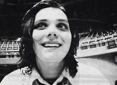 Pumpkin pie. I love him. Tell me he worships Satan. I dare you. He is my pumpkin pie. MY Gerard Way.