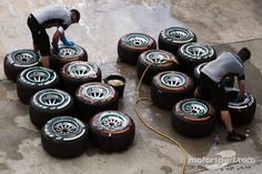Pirelli tyres are washed by Mercedes AMG F1 mechanics   Main gallery   Photos   Motorsport.com