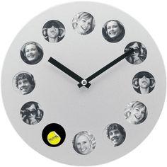 Photoframe Clock Matt Silver: Can use this idea on an artist's pallet. Photo Clock, High Fashion Home, Modern Wall Art, Wall Art Decor, Diy Crafts, Sculpture, Creative, Artist, Silver
