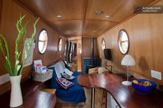 Central London Canal Narrowboat. in Central London Narrowboat from $208 per night