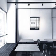 Minimalism ❤️ #BatteryacidClub #interiordesign #minimalist #furnituredesign #cafehop #cafedesign