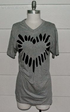 WobiSobi: Heart Cutout Shirt, DIY