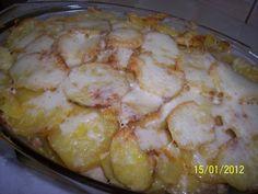 Cartofi cu piept de pui gratinati Romanian Food, Romanian Recipes, Cream Cheese Chicken, Hawaiian Pizza, Mashed Potatoes, Chicken Recipes, Bacon, Recipies, Food And Drink