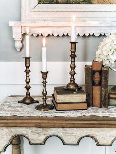 Vintage Mantle, Vintage Vases, Vintage Decor, Vintage Wine, Vintage Candle Holders, Antique Brass Candle Holders, Paint Brass, Candle Magic, Vases Decor