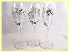 Flutes à champagne vintage émaillées Perrier Jouet shabby