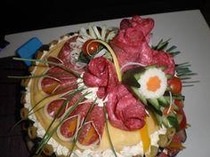 Slaná torta Sandwich Cake, Sandwiches, Buffet, Recipe For 4, Beautiful Cakes, Food Art, Waffles, Appetizers, Vegetables