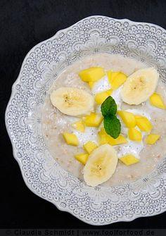 Rezept mit Bild für Porridge mit Mango, Banane und Kokos