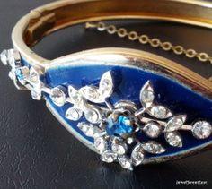 Vintage Bracelet Crystal Clear Rhinestone Enamel Spring Flower Gold Tone! 2059
