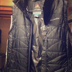 Columbia omni heat vest Black SUPER WARM! great condition! Columbia Jackets & Coats Vests