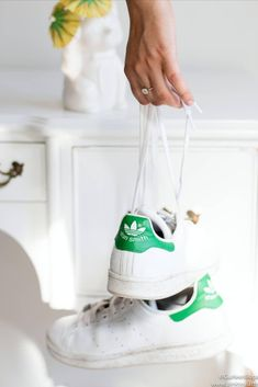 Classic adidas Stan Smith sneakers - the perfect white sneaker for your shoe collection.