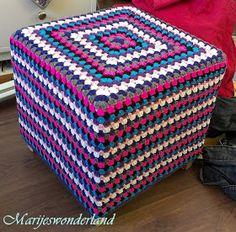 Marije's Wonderland: Gehaakte poef en meer/ crochet ottoman