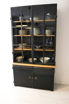 1000 ideas about vaisselier on pinterest buffet - Comment ranger son armoire a linge ...