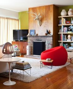 I am pretty much in love with this eclectic mid-century home in San Francisco!