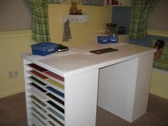 Like how the side of the desk holds the card stock. Craft Space, Craft Rooms, Space Crafts, Scrapbook Organization, Storage Organization, Organizing, Scrapbook Rooms, Scrapbooking, Card Ideas