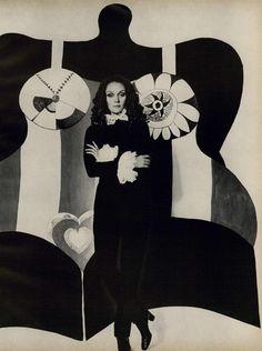 Niki de Saint Phalle (1930-2002). Photographie pour Vogue, 1968. Le photographe : Lord.