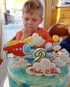 Очередной отчёт с вечеринки по случаю второго день рождения Так люблю такие вкусные фото, спасибо заказчикам, что делитесь со мной пряники от @duncanstore Это #детскийторт #торт #торты #москва #cake #cake #mоumopmы