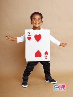 These kids halloween costumes are faster than the lineup at the party store and easier than one of those fancy pumpkin-carving stencils. Diy Halloween, Halloween Costumes Kids Homemade, Halloween Party Supplies, Halloween Costumes For Kids, Halloween 2017, Halloween Celebration, Halloween Stuff, Carnaval Kids, Costume Carnaval
