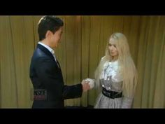 "Valeria ""Barbie"" Lukyanova bertemu dengan Justin ""Ken"" Jedlica  - %TEXT - http://blog.masteragenbola.com/valeria-barbie-lukyanova-bertemu-dengan-justin-ken-jedlica/"