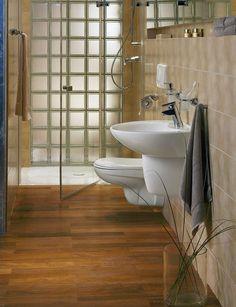 wąska łazienka