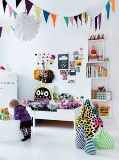 eclectic kids' rooms - shelves