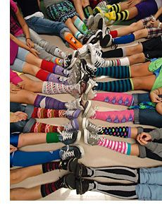 Crazy Socks Day -- Could match unit on Pippi School Humor, School Fun, School Teacher, School Ideas, Elementary Counseling, School Counselor, Yearbook Photos, Yearbook Ideas, School Spirit Days