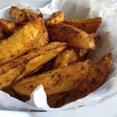 würzig-krosse Kartoffelecken aus dem Backofen