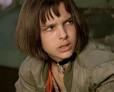 Natalie Portman Mathilda, Natalie Portman Leon, Leon The Professional, Leon Matilda, Percy Jackson Drawings, Jean Reno, Film Aesthetic, Mean Girls, Aesthetic Pictures