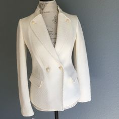 Vince NWT Boucle Cream Blazer absolutely gorgeous! NWT cream colored Boucle blazer from Vince. 50% wool 47% acrylic 3% poly. fully lined - 100% poly lining. size 2. Vince Jackets & Coats Blazers