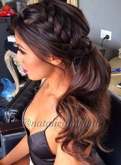 Small french braid down the side with a ponytail. Simple but still very luxurious. #hairspiration