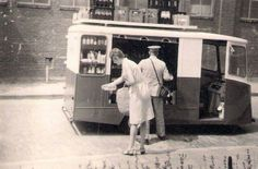 Melkboer aan huis Rotterdam, Utrecht, Good Old Times, Picture Credit, Leiden, Vintage Photographs, Back In The Day, Old Pictures, Vintage Posters
