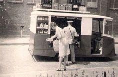 Melkboer aan huis (milk delivery)