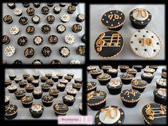 Cupcakes 70 verjaardag zwart, wit, goud / cupcakes 70th birthday black, white, gold