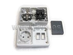 Base de enchufe Schuko con protección (16A–250Vac~) + Interruptor (10AX–250Vac~) de superficie estancos IP54 – Electro dh 36.526/BI #electricidad #electricista #jsventaonline www.jsvo.es