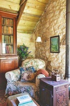 Inviting! The Coziest Reading Nooks to Hunker Down in this Winter