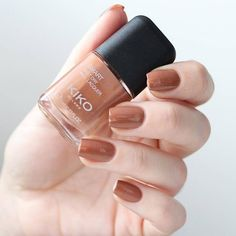 """21.7k Likes, 141 Comments - KIKO Milano Official (@kikomilano) on Instagram: """"@infinite.destiny adds a little sweetness to #FundaySunday with Smart Nail Lacquer #40 Caramel 🍬…"""""""