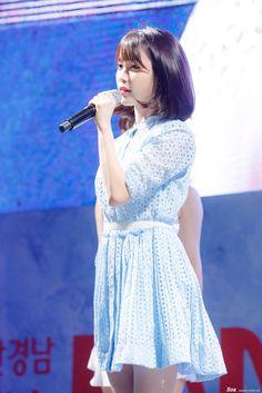 Korean Shows, Rose Wallpaper, Youngjae, Brown Hair, Short Hair Styles, Jackson, Kpop, Beauty, Collection