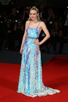 Dakota Fanning's Stunning Holographic Dress Is From Your Sparkliest Prom Fantasy