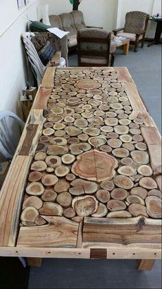 Bar Deko woodworkings Wooden headboard in progress … woodslice woodart diy headboard diywood …. Free Wooden Pallets, Wooden Pallet Wall, Pallet Wall Decor, Man Cave Wall Decor, Wood Table Design, Resin Furniture, Furniture Stores, Into The Woods, Wood Slices