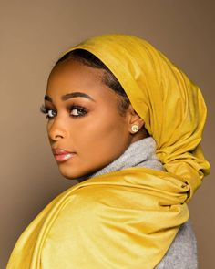 Yasmine wearing a gorgeous yellow Hijab 💛🧕🏼 _____ _____ 🧕🏼 – Hijab Fashion 2020 African Beauty, African Fashion, Casual Couture, Hijab Chic, Candid Photography, Smooth Hair, Scarf Hairstyles, Feminine Style, Feminine Fashion