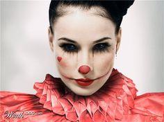 Dita Von Teese as a creepy clown Halloween Clown, Halloween Makeup Looks, Halloween Dress, Diy Halloween Costumes, Halloween Make Up, Creepy Clown, Circus Clown, Circus Party, Female Clown