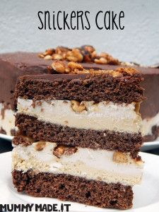 This Snickers Cake is inspired by the Chocolate bar and made to be Gluten Free, Dairy Free, Refined Sugar Free and can be Paleo friendly. Chocolate Caramel Cake, Paleo Chocolate, Healthy Cake, Healthy Desserts, Gourmet Recipes, Cake Recipes, Gf Recipes, Health Recipes, Snickers Cake