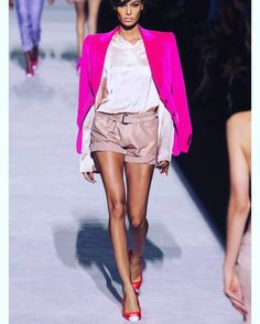 """53 Likes, 3 Comments - @ipoopfashion on Instagram: """"#tomford #tf #fabulousfashion #lookoftheday #outfitgrid #outfitinspiration #pink #runway #model…"""""""