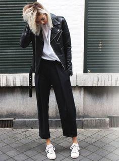 look-escritorio-casual-tenis-jaqueta-couro-street-style