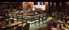 Hard Rock Cafe İstanbul Çok katlı kafe içerisinde Rock Shop, geniş ve ferah oturma alanlarının yanı sıra özel odalar, ısıtmalı teras ve 18m2'lik bir sahne mevcuttur.