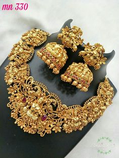 1 Gram Gold Jewellery, Gold Jewellery Design, Temple Jewellery, Bridal Jewellery, Indian Jewelry Earrings, Diamond Jewelry, Gold Jewelry, Jewelry Necklaces, Jewelry Patterns