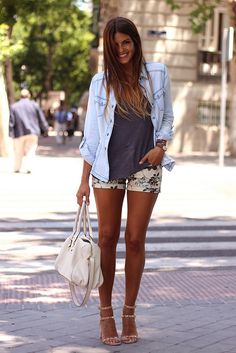trendy_taste-street_style-look-outfit-hoss_intropia-sandalias_nude-nude_sandals-denim_shirt-camisa_vaquera-flower_shorts-shorts_flores-vince_camuto-bag-bolso-agatha_paris-tiffany   Flickr - Photo Sharing!